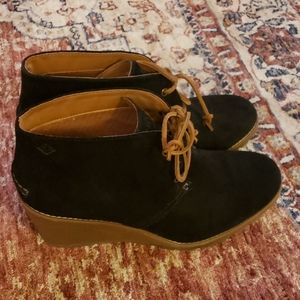 Sperry Stella prow size 10M fits like 9 1/2-10